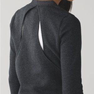 ⭐️ LULULEMON Sweatshirt Open Back⭐️